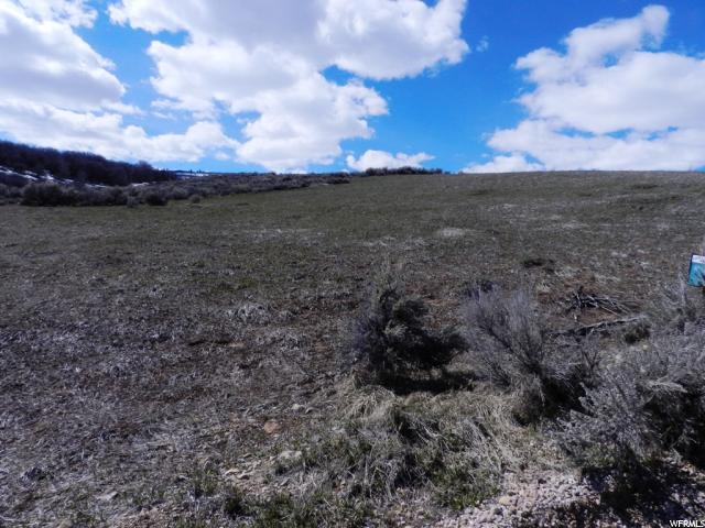 Additional photo for property listing at 2947 S COUNTRY CLUB WAY 2947 S COUNTRY CLUB WAY Garden City, Utah 84028 Estados Unidos