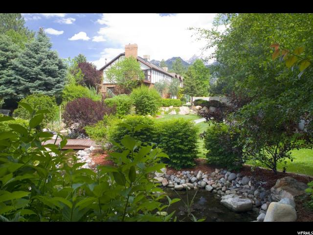 Single Family للـ Sale في 8072 S HIGHLAND Drive Cottonwood Heights, Utah 84121 United States