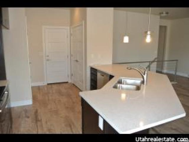Additional photo for property listing at 7673 S CASSIELLE Lane 7673 S CASSIELLE Lane Unit: 301 西约旦, 犹他州 84081 美国