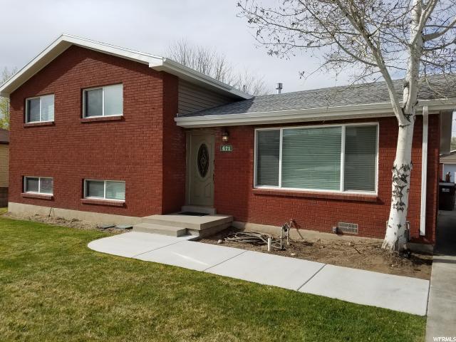 单亲家庭 为 销售 在 671 E GREENWOOD Avenue Midvale, 犹他州 84047 美国