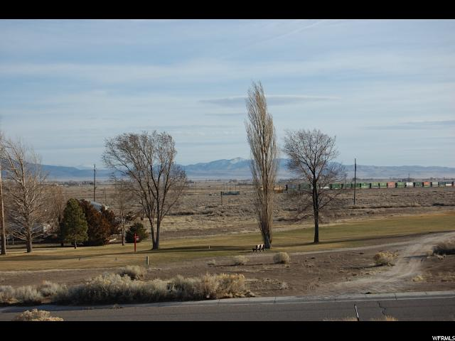 Additional photo for property listing at 744 W 900 S 744 W 900 S Milford, Utah 84751 Estados Unidos