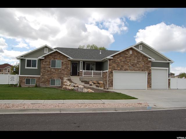 Unique la famille pour l Vente à 2489 N 500 W Harrisville, Utah 84414 États-Unis