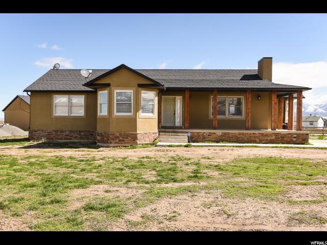 Unique la famille pour l Vente à 867 E MAIN Street Grantsville, Utah 84029 États-Unis