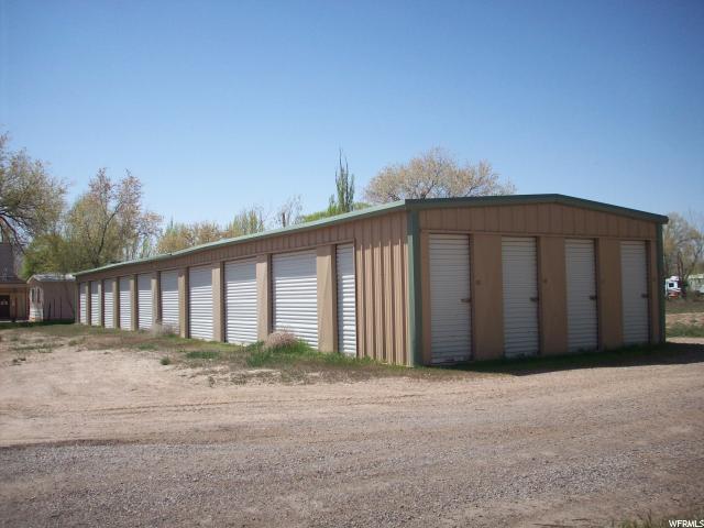 Commercial pour l Vente à 560 S GREEN RIVER Boulevard Green River, Utah 84525 États-Unis
