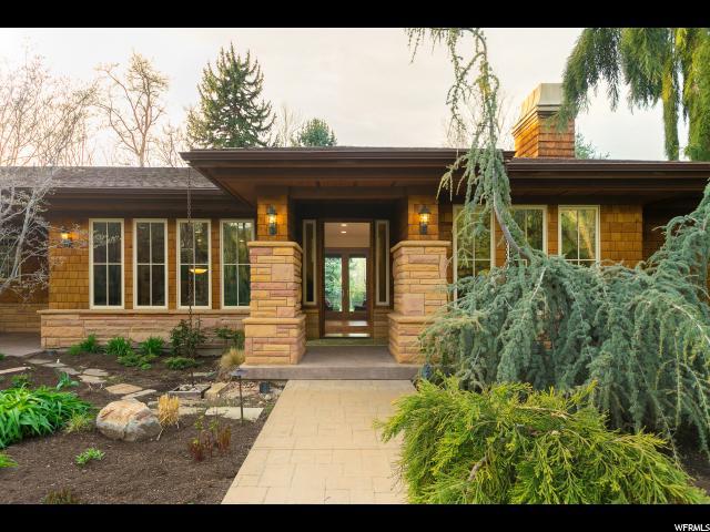 单亲家庭 为 销售 在 1865 E FOREST BEND Drive 卡顿高地, 犹他州 84121 美国