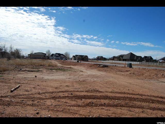 Additional photo for property listing at 1150 W GRAYHAWK LOOP 1150 W GRAYHAWK LOOP Roosevelt, Utah 84066 États-Unis
