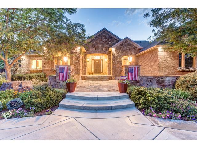 单亲家庭 为 销售 在 13976 S 2055 W Bluffdale, 犹他州 84065 美国