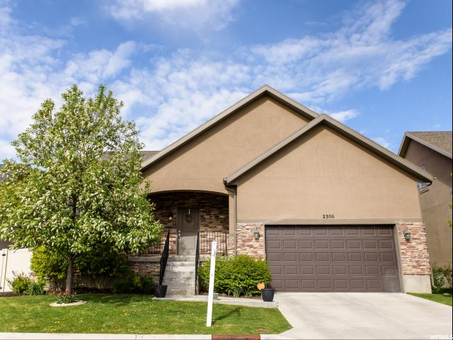 Один семья для того Продажа на 2306 S 1950 W Woods Cross, Юта 84087 Соединенные Штаты