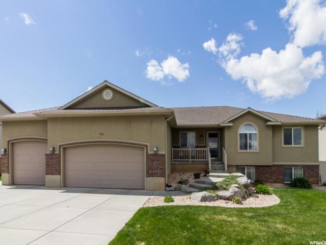 单亲家庭 为 销售 在 5467 S 3275 W Roy, 犹他州 84067 美国