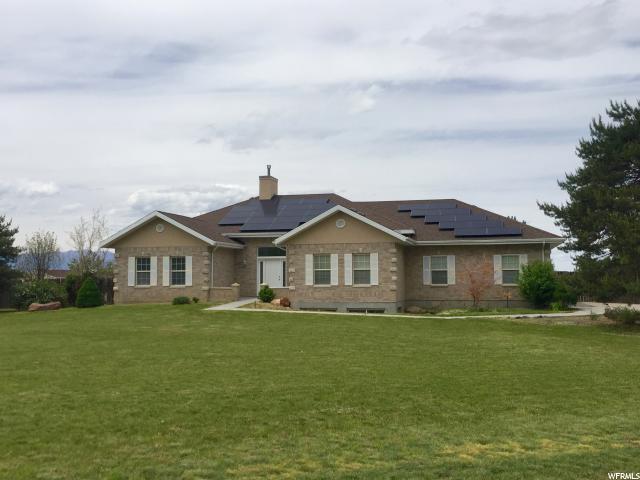 Unique la famille pour l Vente à 1615 E COUNTRY Lane Erda, Utah 84074 États-Unis