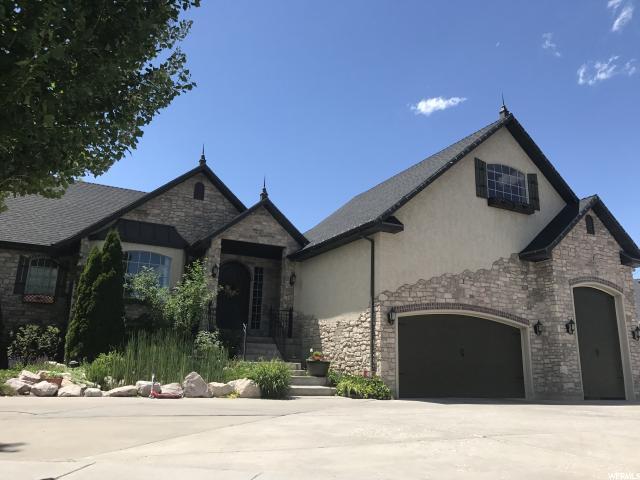 Unique la famille pour l Vente à 3258 W NEW CASTLE Syracuse, Utah 84075 États-Unis