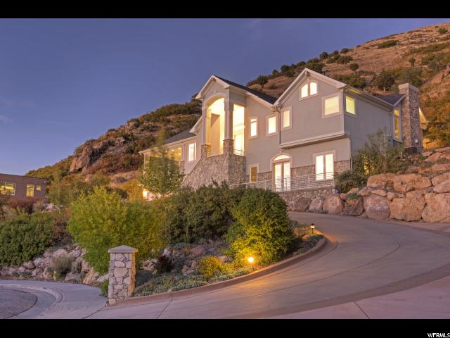 Single Family للـ Sale في 3707 S CHOKE CHERRY Drive 3707 S CHOKE CHERRY Drive Millcreek, Utah 84109 United States