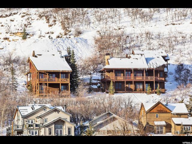 单亲家庭 为 销售 在 220 KING Road 220 KING Road 帕克城, 犹他州 84060 美国