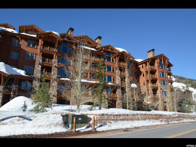 Appartement en copropriété pour l Vente à 8777 S MARSAC AVE #401 Deer Valley, Utah 84060 États-Unis