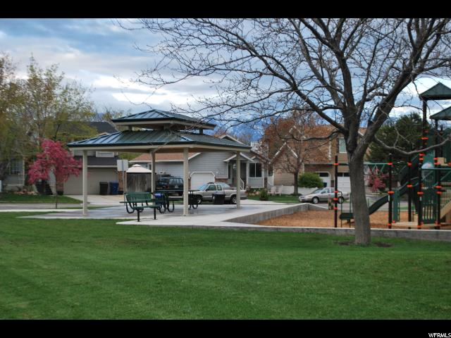 Additional photo for property listing at 3921 W LISHAWN Drive  Taylorsville, Utah 84129 Estados Unidos