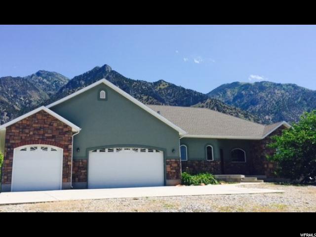 Unique la famille pour l Vente à 2075 W 5900 N Honeyville, Utah 84314 États-Unis