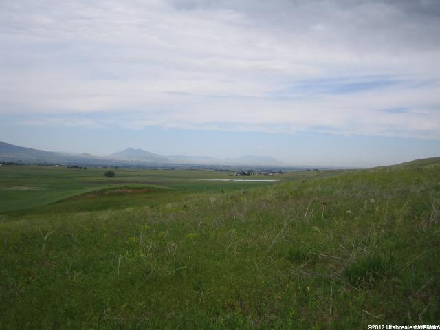 Additional photo for property listing at 7400 S 1400 W 7400 S 1400 W Hyrum, Utah 84319 États-Unis