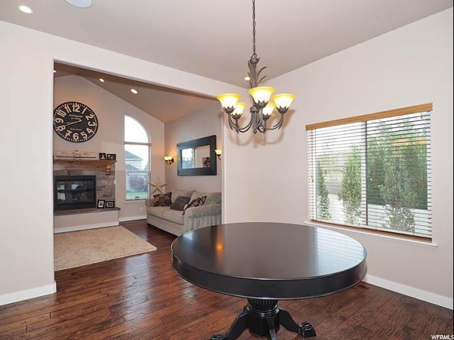 Additional photo for property listing at 413 E WHISPERHOLLOW Circle 413 E WHISPERHOLLOW Circle Draper, Юта 84020 Соединенные Штаты