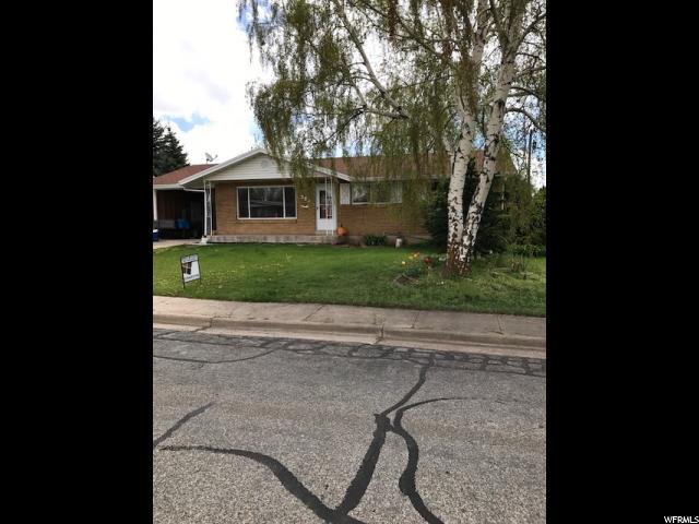 单亲家庭 为 销售 在 353 W 2250 N Sunset, 犹他州 84015 美国