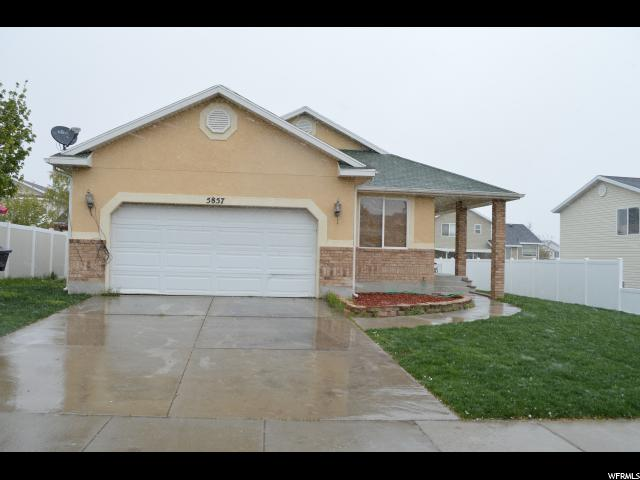 Single Family للـ Sale في 5857 S STONE FLOWER WAY Kearns, Utah 84118 United States