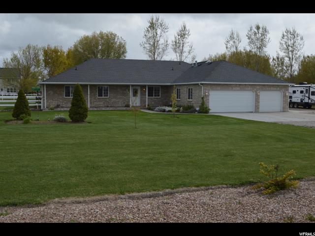 Single Family for Sale at 6213 W 4600 S Hooper, Utah 84315 United States