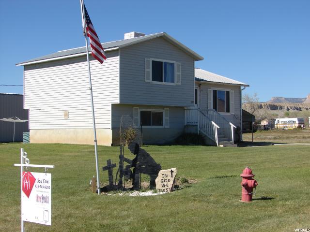 单亲家庭 为 销售 在 235 W 300 S Orangeville, 犹他州 84537 美国