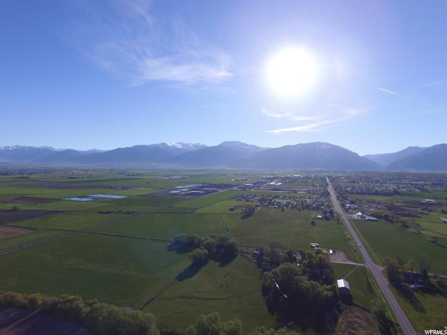 Additional photo for property listing at 350 N 2100 W 350 N 2100 W Hyrum, Utah 84319 États-Unis