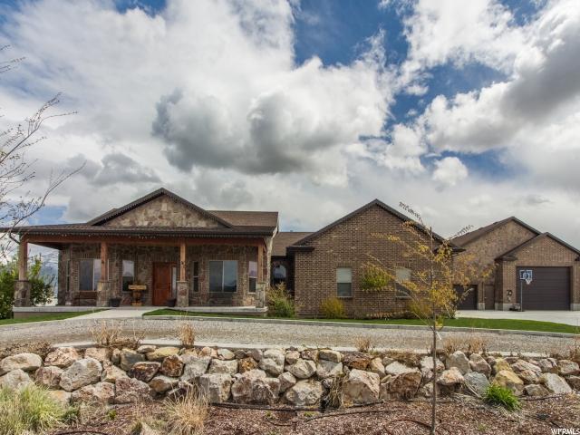 单亲家庭 为 销售 在 3778 N ROSE SPRINGS Road Erda, 犹他州 84074 美国