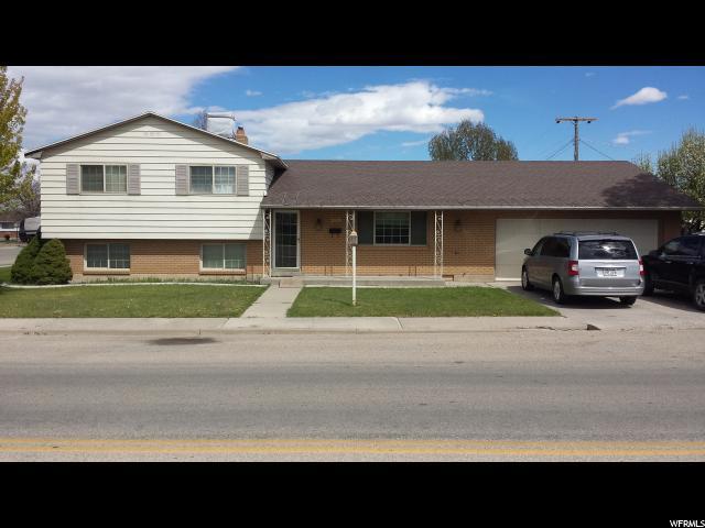 单亲家庭 为 出租 在 280 N 900 W Vernal, 犹他州 84078 美国