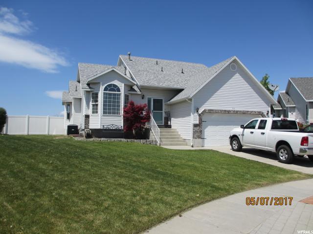Unifamiliar por un Venta en 5374 W WHISTLER Circle Kearns, Utah 84118 Estados Unidos