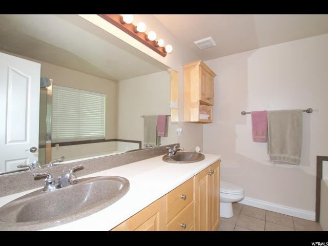 Additional photo for property listing at 1684 W 1830 S 1684 W 1830 S Syracuse, Utah 84075 United States