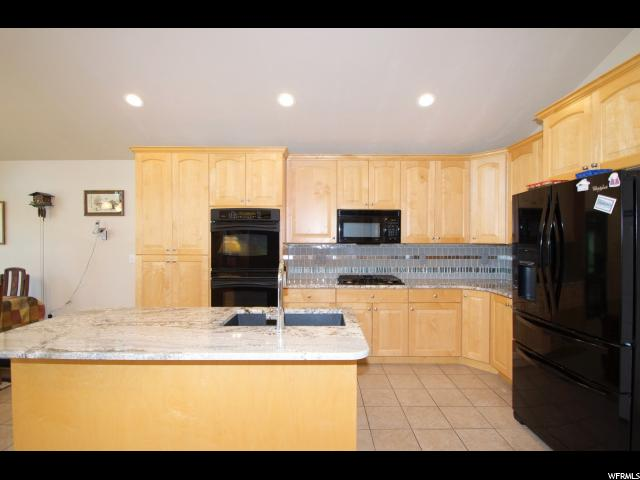 Additional photo for property listing at 1684 W 1830 S 1684 W 1830 S Syracuse, Юта 84075 Соединенные Штаты