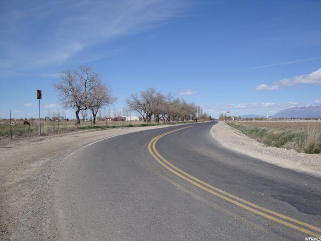 Terrain pour l Vente à 3199 S 3000 W Syracuse, Utah 84075 États-Unis