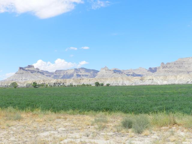 Additional photo for property listing at 5000 LONG Street 5000 LONG Street Green River, Utah 84525 États-Unis