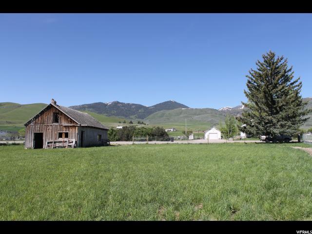 Terrain pour l Vente à 165 S MAIN HWY Clifton, Idaho 83228 États-Unis