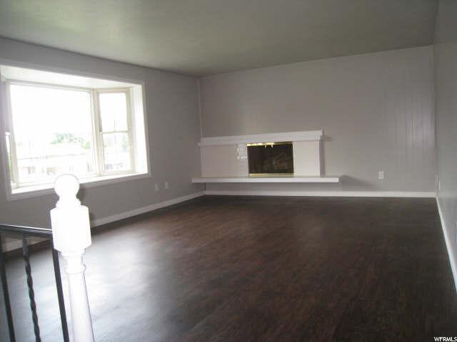 Additional photo for property listing at 224 E 5200 S 224 E 5200 S Washington Terrace, Utah 84405 États-Unis