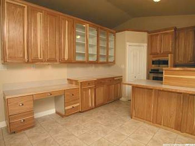 Additional photo for property listing at 3433 W 1500 N 3433 W 1500 N Clinton, Utah 84015 États-Unis