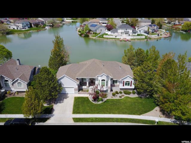 Unique la famille pour l Vente à 184 SPINNAKER Drive Stansbury Park, Utah 84074 États-Unis