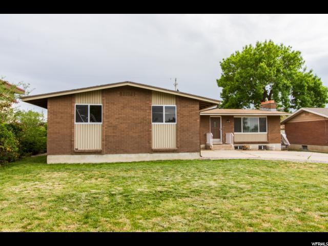 Unique la famille pour l Vente à 329 W 2300 N Sunset, Utah 84015 États-Unis