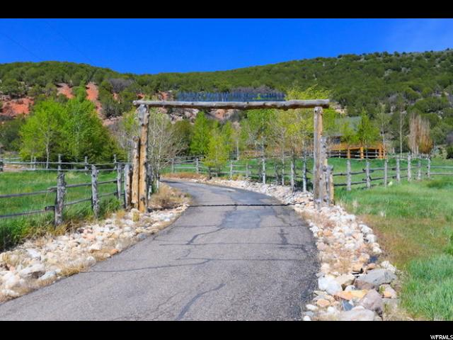 Additional photo for property listing at 6660 N HIGHWAY #32 6660 N HIGHWAY #32 Peoa, Utah 84061 Estados Unidos