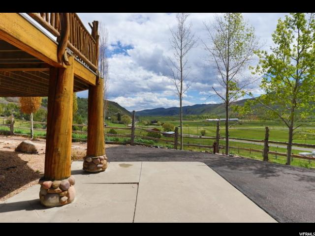 Additional photo for property listing at 6660 N HIGHWAY #32 6660 N HIGHWAY #32 Peoa, Utah 84061 États-Unis