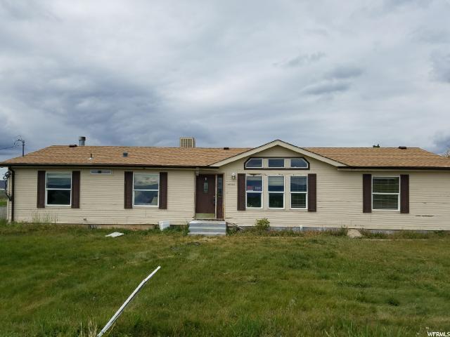 Unique la famille pour l Vente à 266 W 700 S Mona, Utah 84645 États-Unis