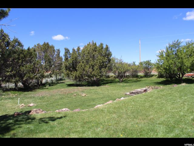 Additional photo for property listing at 516 E 300 S 516 E 300 S Monticello, Utah 84535 United States