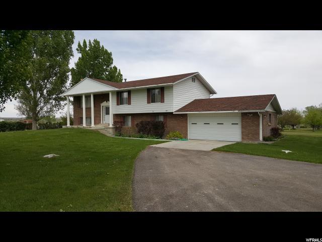 Unique la famille pour l Vente à 1075 S STATE Road Ferron, Utah 84523 États-Unis