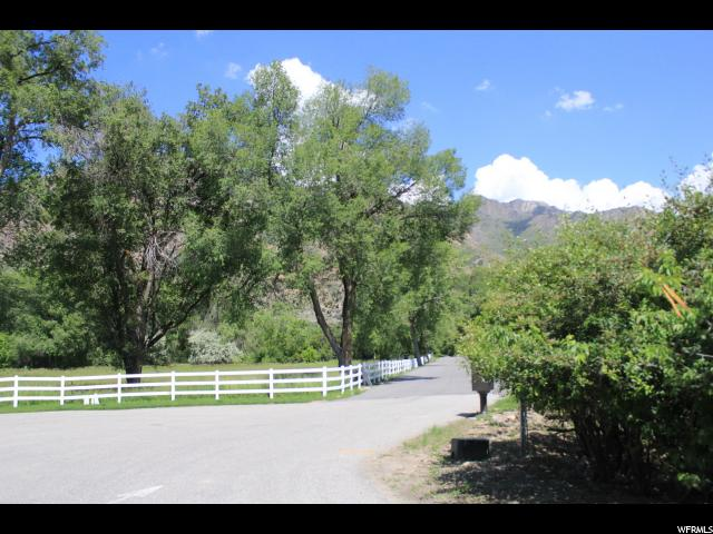 2627 E DEERWOOD LN Holladay, UT 84121 - MLS #: 1453262