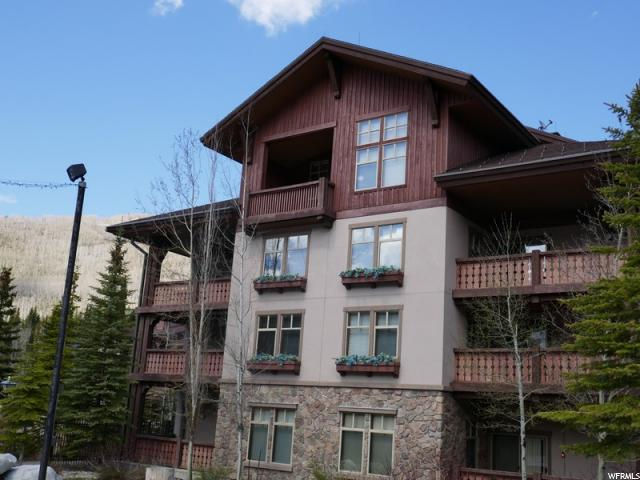 Appartement en copropriété pour l Vente à 12082 E BIG COTTONWOOD Road 12082 E BIG COTTONWOOD Road Unit: 401 Solitude, Utah 84121 États-Unis
