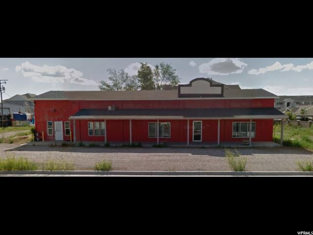Commercial pour l à louer à 06-082-0125, 985 N REDWOOD Road 985 N REDWOOD Road Unit: 2 North Salt Lake, Utah 84054 États-Unis