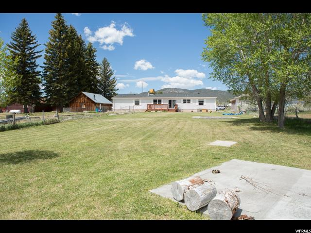 Additional photo for property listing at 65 S 200 E 65 S 200 E Koosharem, Utah 84744 États-Unis