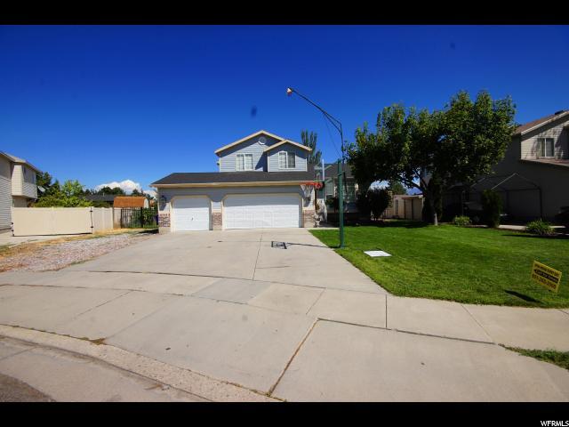 单亲家庭 为 销售 在 5933 S 5665 W 5933 S 5665 W Kearns, 犹他州 84118 美国