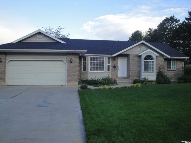 Один семья для того Продажа на 9861 N 4000 W 9861 N 4000 W Cedar Hills, Юта 84062 Соединенные Штаты